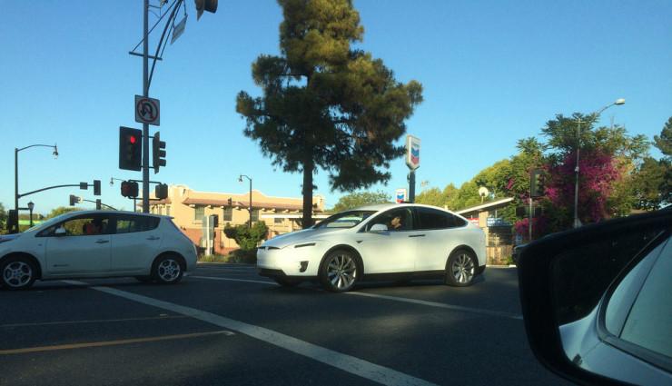 Tesla-Model-X-Bilder-3