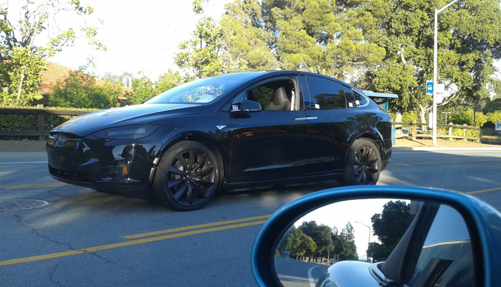Tesla-Model-X-Bilder-schwarz