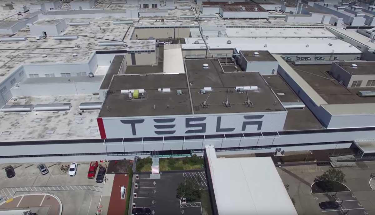 Video So Sieht Die Tesla Fabrik In Fremont Von Oben Aus