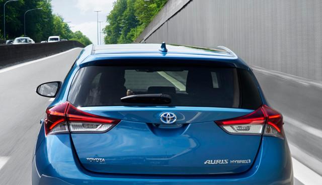 toyota-rueckruf-hybridauto-auris-priusplus