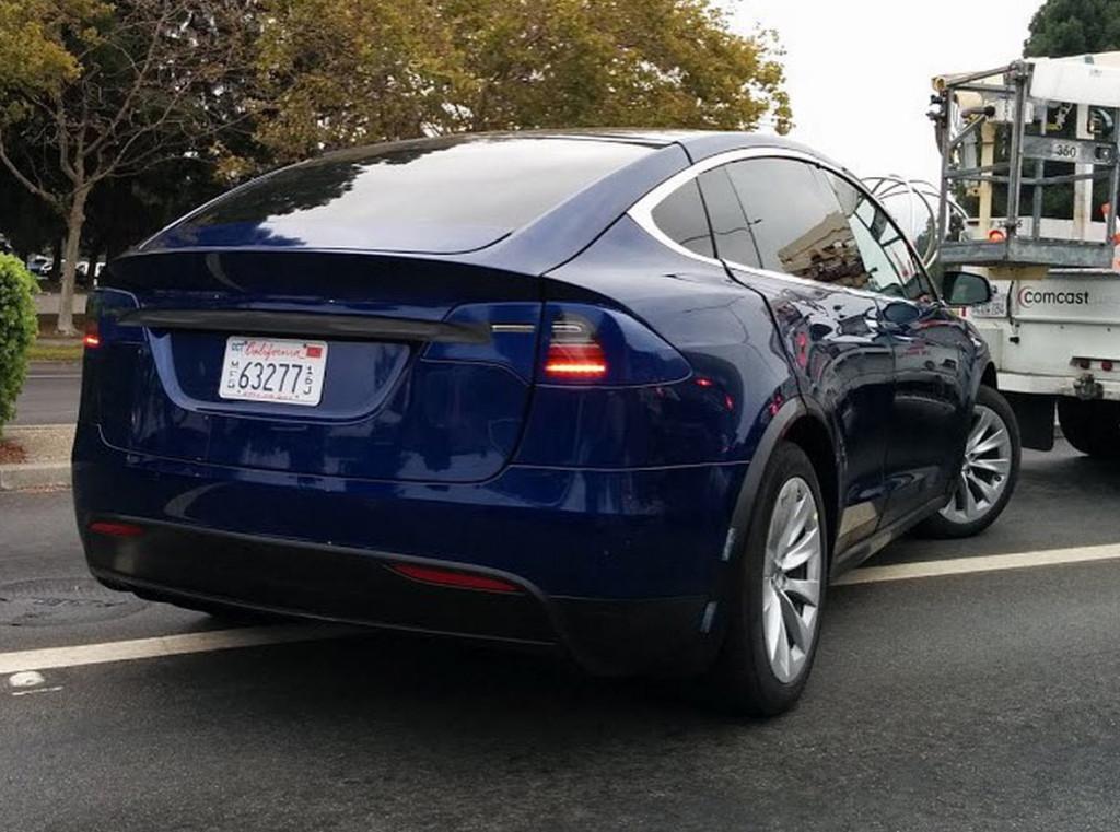 Tesla-Model-X-6-1