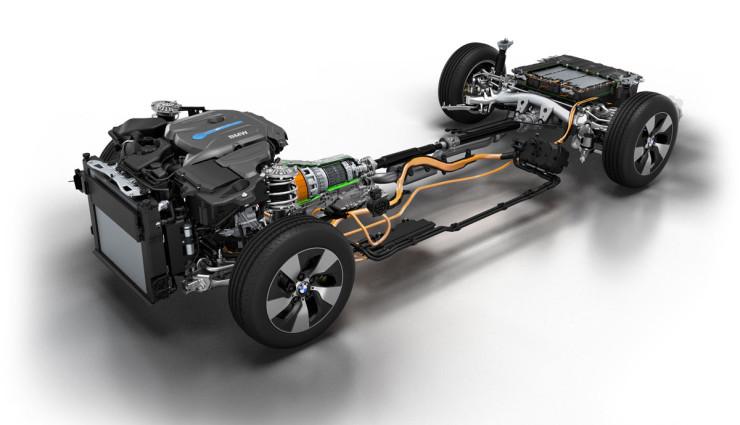 BMW-225xe-1