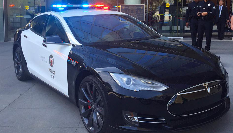 Tesla-Model-S–Elektroauto-Polizei-USA-Los-Angeles-2