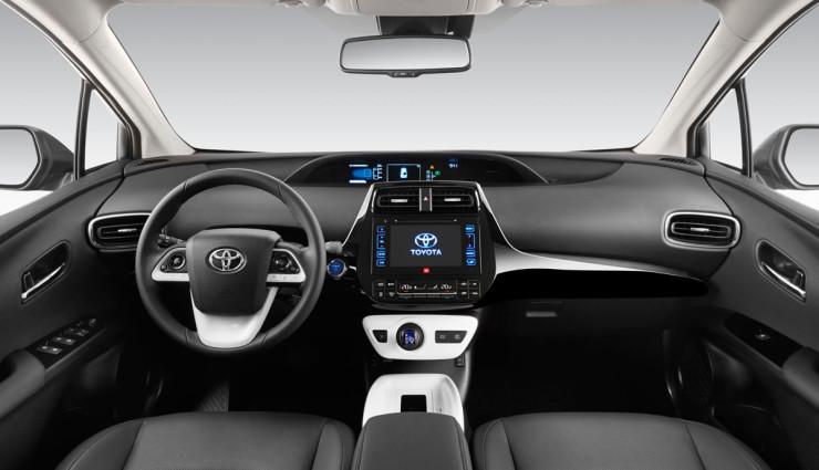 Toyota-Prius-2016—1