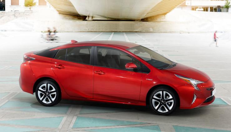 Toyota-Prius-2016—11