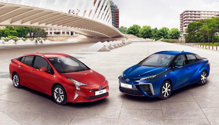 Toyota-Prius-2016—14