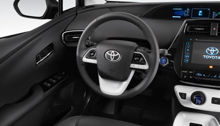 Toyota-Prius-2016—2