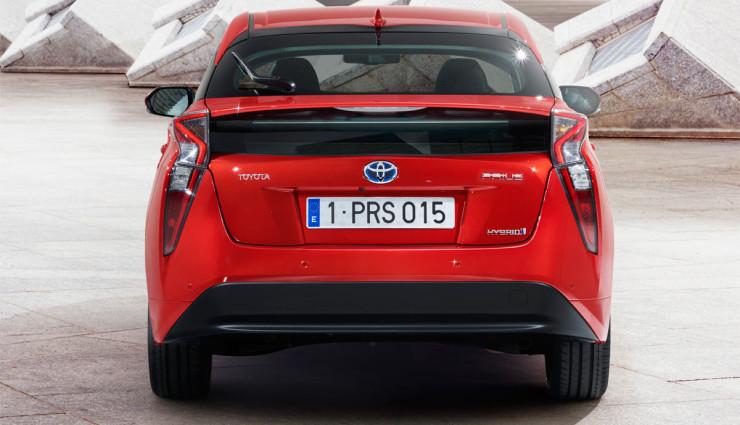 Toyota-Prius-2016—7