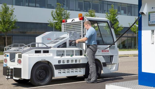Bosch-Elektro-Hepaeckschlepper-Brennstoffzelle