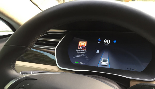 Tesla-Autopilot-Deutschland