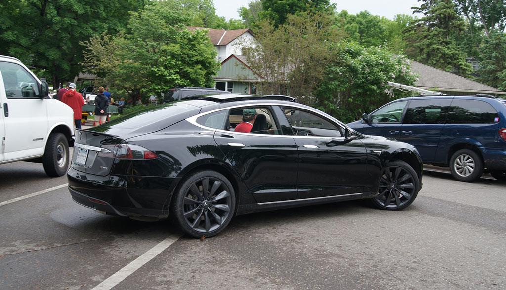 Tesla-Model-S-Bewertung-Zuverlaessigkeit-Consumer-Reports (1)