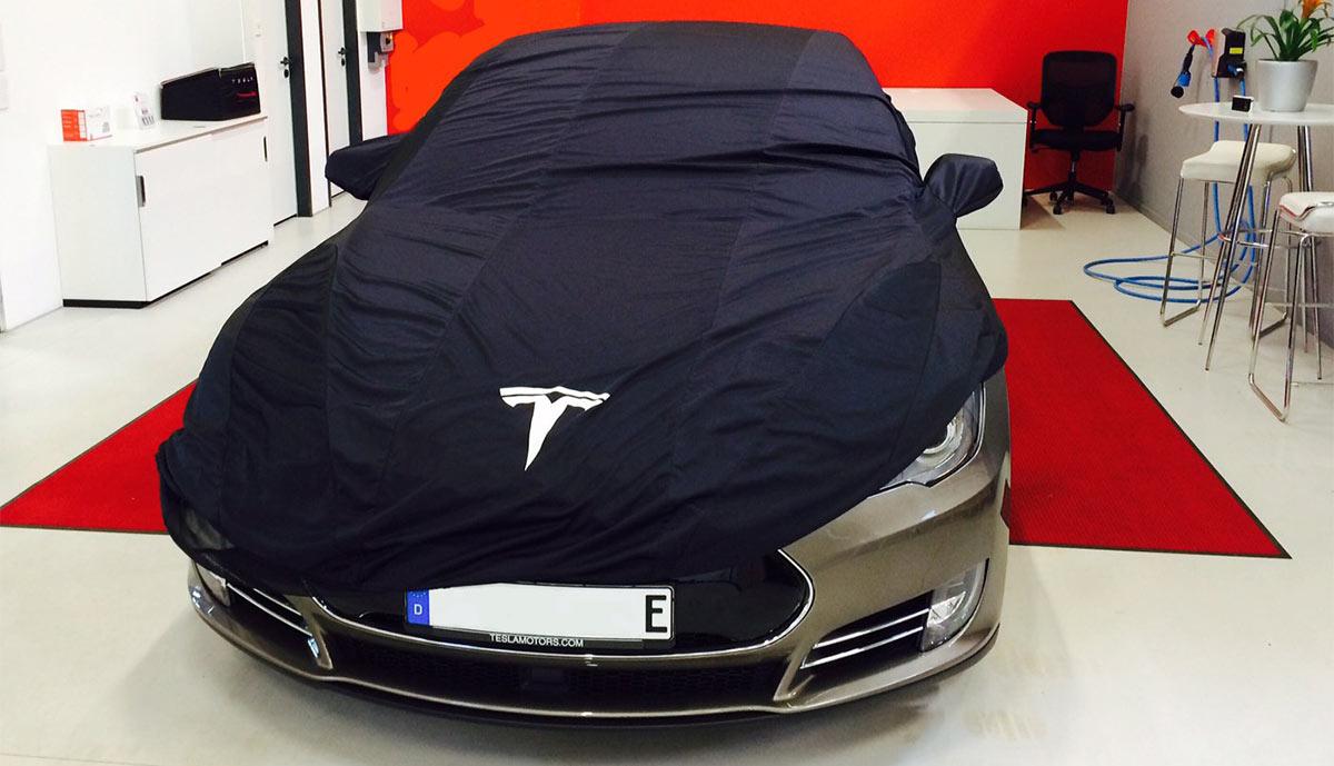 Tesla Model S mit neuem \