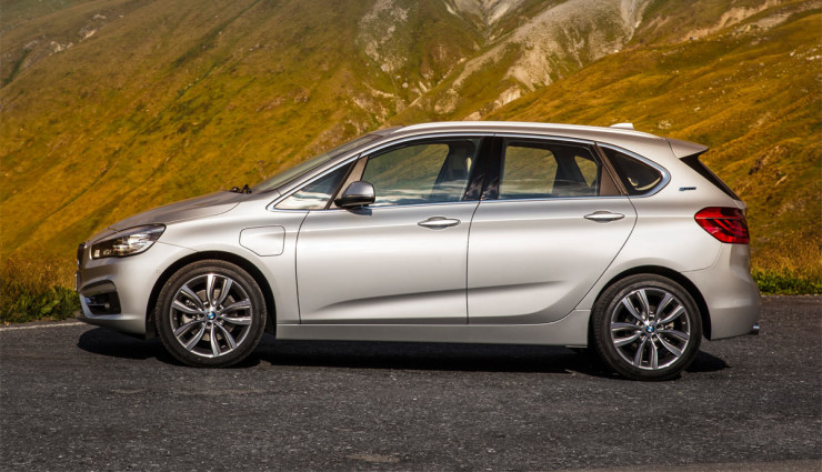 BMW-225xe-6