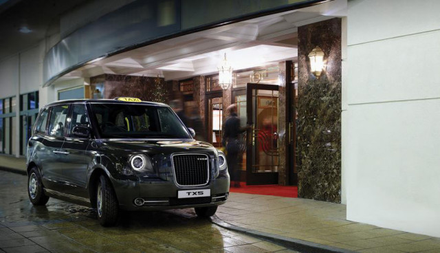 London-Hybrid-Elektro-Taxi-2