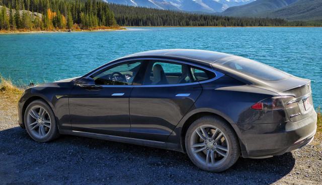 Teslas Elektroauto-Empfehlungsprogramm voller Erfolg