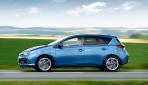 Toyota-Auris-Hybrid-20153