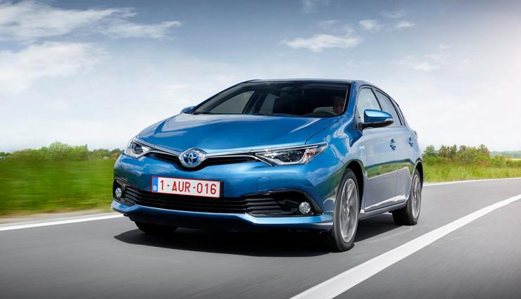 Toyota-Auris-Hybrid-20155