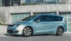 2017-Chrysler-Pacifica-plug-in-hybrid-EV14