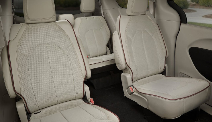 2017-Chrysler-Pacifica-plug-in-hybrid-EV5