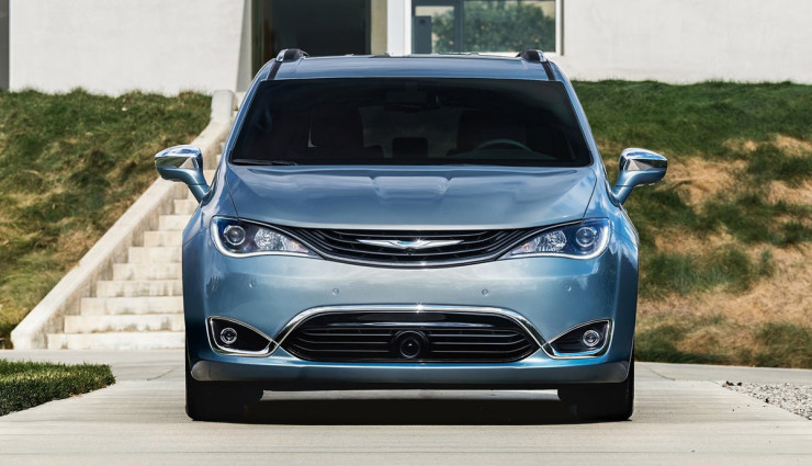 2017-Chrysler-Pacifica-plug-in-hybrid-EV8