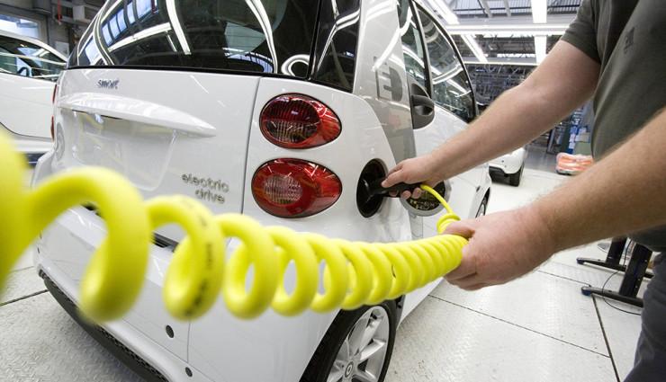 AvD befürchtet Elektroauto-Pleite