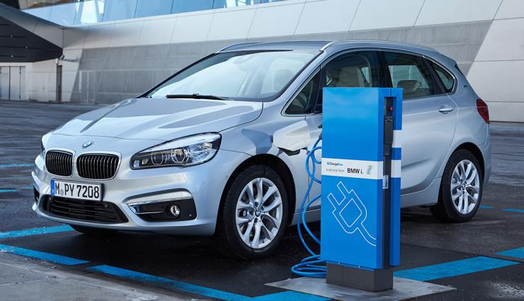 BMW-225xe-Plug-in-Hybrid6