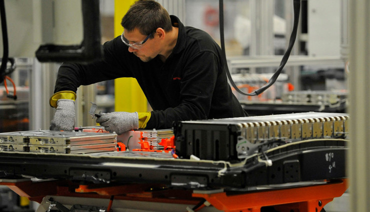 Nissan-LEAF-Elektroauto-Batterie-Produktion3