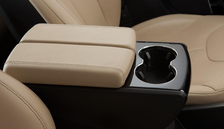 Tesla-Model-S-2012-Innen—1