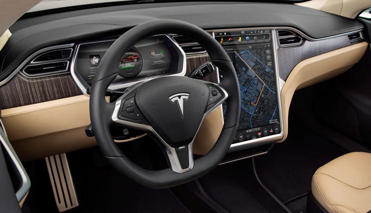 Tesla-Model-S-2012-Innen—3