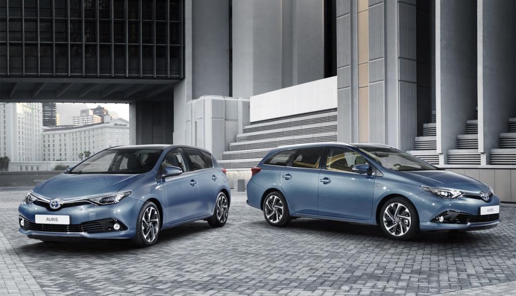 Toyota-Auris-Hybrid-2015-Touring