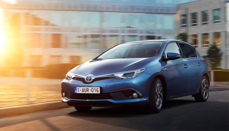 """""""Hybridprämie"""" bei Toyota: Bis zu 3000 Euro sparen & drei Jahre Wartung gratis"""