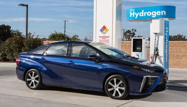Toyota-macht-sich-fuer-Wasserstoff-und-Brennstoffzellentechnologie-stark