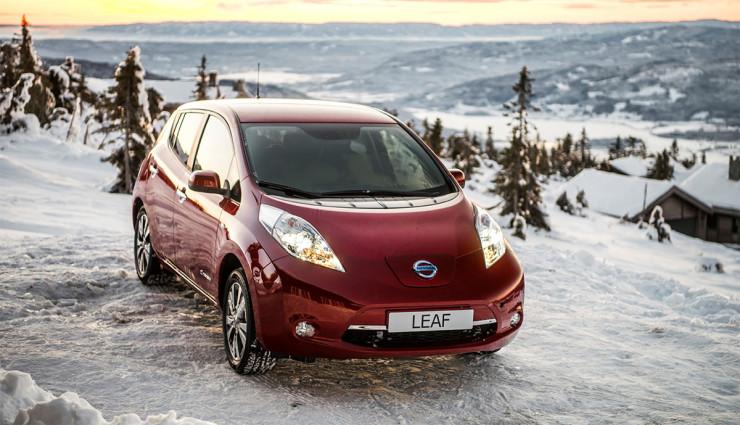 Elektroauto Nissan LEAF jetzt mit 250 km Norm-Reichweite
