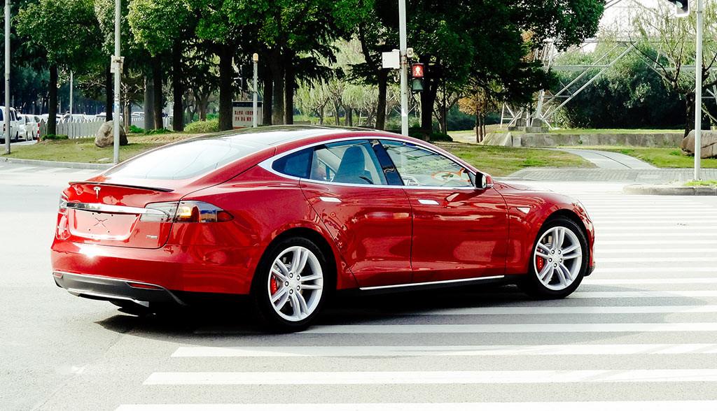 Tesla-Model-S-Bewertung-Zuverlaessigkeit-Consumer-Reports-2016