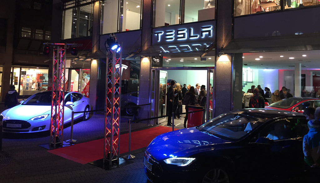 Tesla-Store-Nuernberg-Elektroauto