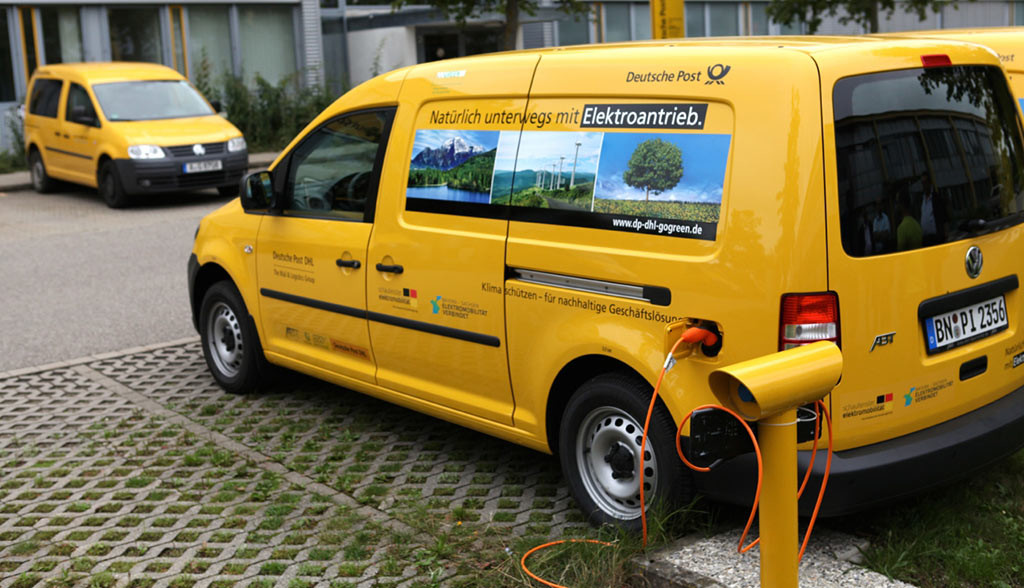 Elektroauto-Transporter-E-Lieferungen