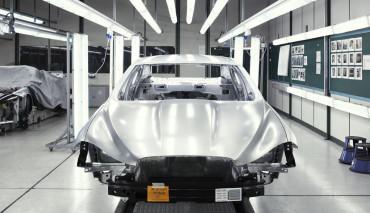 Jaguar-XJ-Hybrid