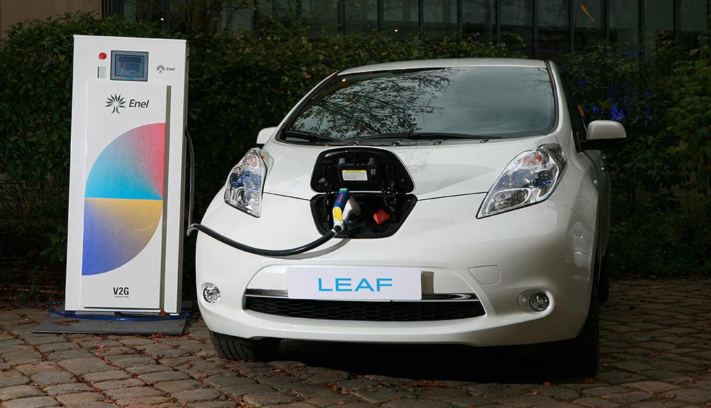 Nissan-setzt-Elektroautos-als-Energieversorger-ein