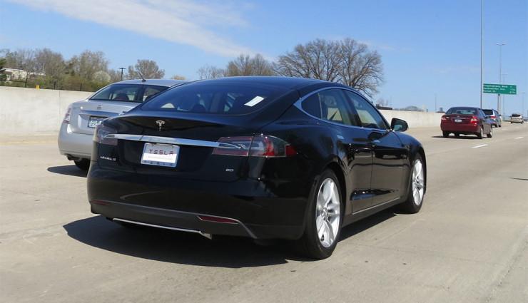 Tesla-Audi-Elektroauto