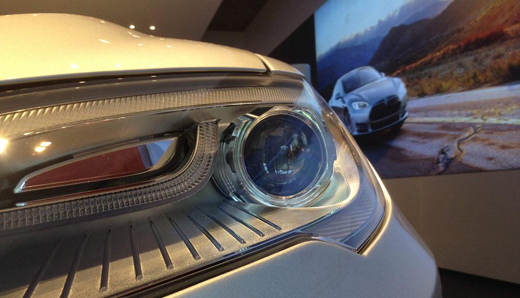 Tesla-Model-3-aehnlich-gross-wie-Audi-A4