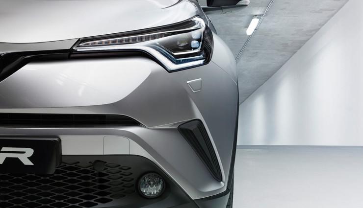 Toyota-zeigt-hybriden-Crossover-SUV-C-HR—5