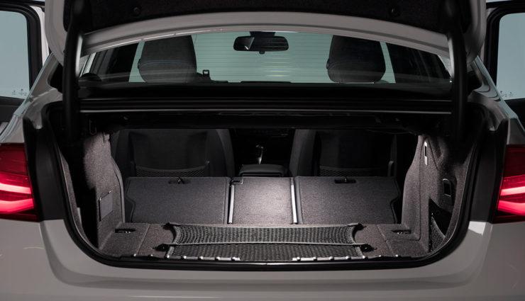 BMW-330e-Plug-in-Hybrid14
