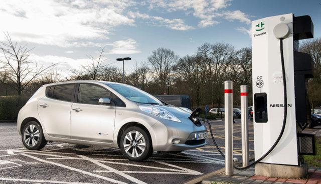 Nissan-Elektroauto-Schnellladenetz
