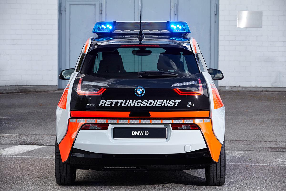 https://ecomento.tv/wp-content/uploads/2016/05/BMW-i3-Sonderfahrzeug-Polizei-Feuerwehr-Rettungsdienst-6.jpg