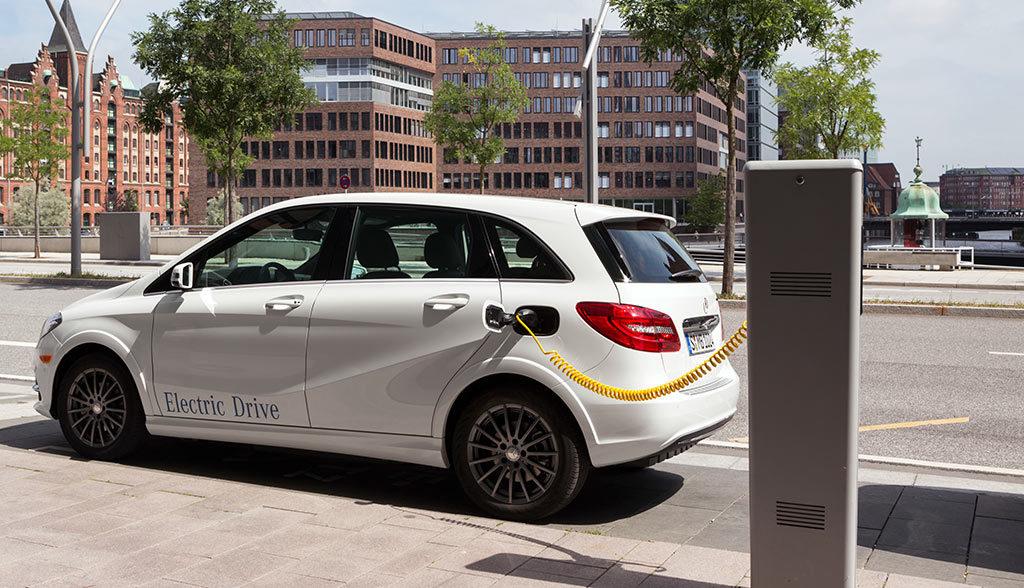 Elektroauto-Schnellladung-Mercedes