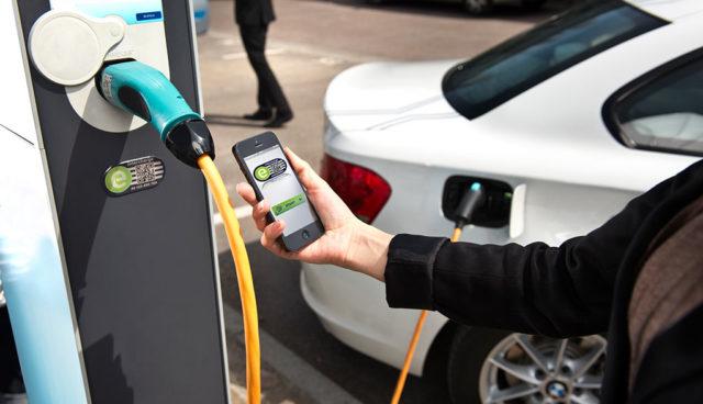 Here-Hubject-Elektroauto