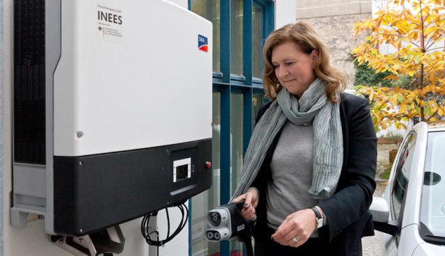 INEES-mit-Elektroautos-Netzschwankungen-mindern