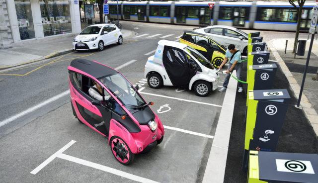 Toyota-Elektroauto-Carsharing-i-ROAD-Grenoble