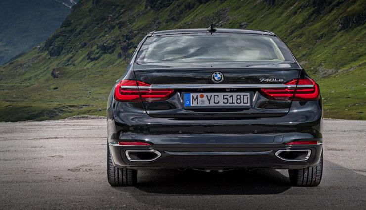 BMW-740e-iPerformance-Plug-in-Hybrid-.jpg4