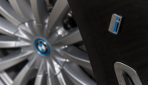 BMW-740e-iPerformance-Plug-in-Hybrid-.jpg6